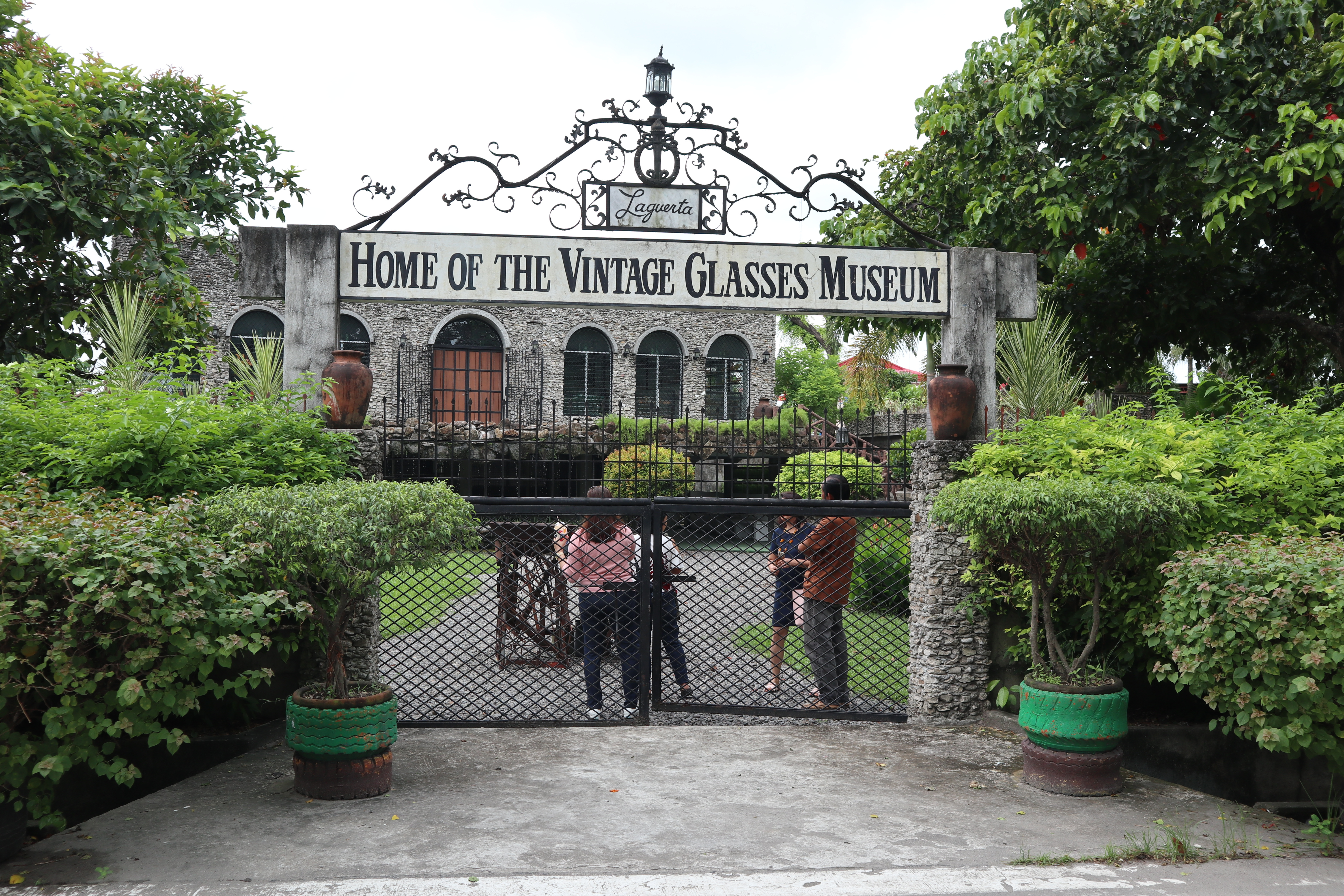 Laguerta: The Vintage Glasses Museum – The Bacolod Food Hunters